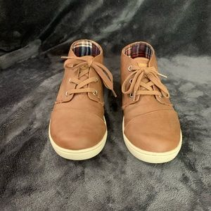Boys dress sneakers
